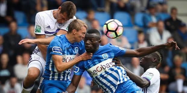 Anderlecht s'impose 2-0 contre une équipe de Genk qui termine à neuf - La Libre