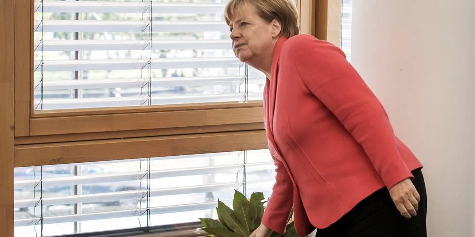 Crise des migrants: Angela Merkel reconnaît des erreurs après un nouveau revers électoral
