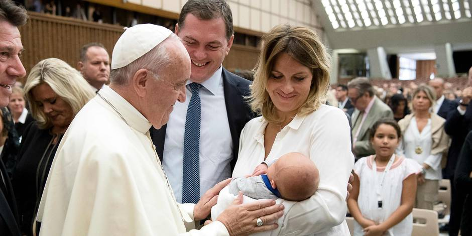 Attentat de Nice: le pape reçoit les familles endeuillées au Vatican