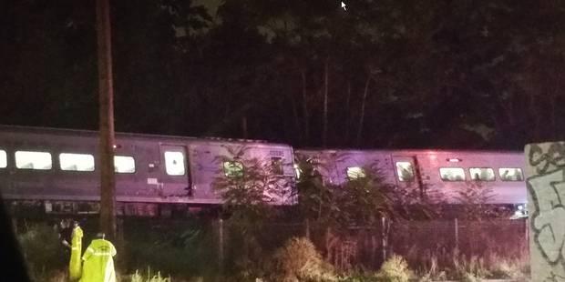 USA: un train de banlieue déraille près de New York, 33 blessés (photos et vidéos) - La Libre
