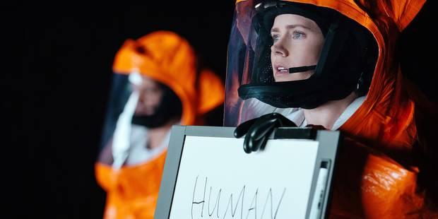 """""""Arrival"""" : Grand film de science-fiction qui mise sur l'intelligence du spectateur au lieu de lui servir la soupe habit..."""