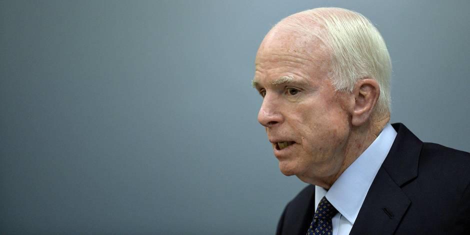 """Pour John McCain, les cyberattaques russes sont """"un acte de guerre"""""""