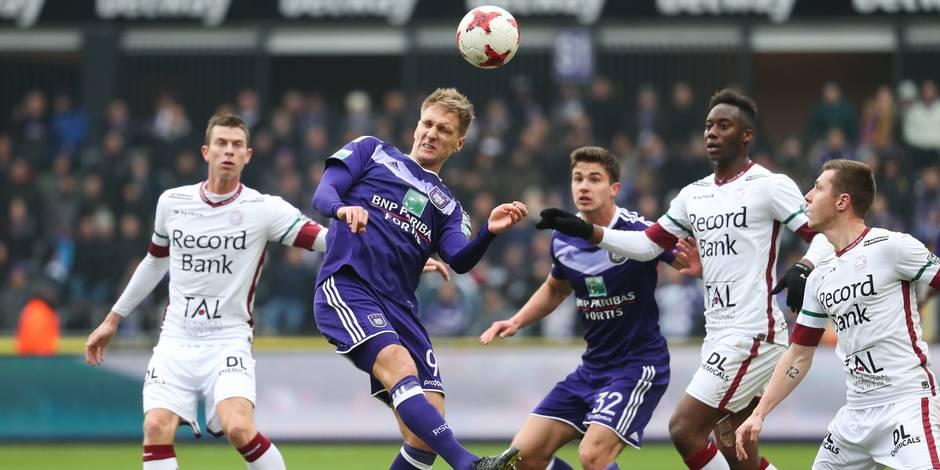 Après un match rythmé, Anderlecht met la pression sur Bruges et prend ses distances avec Zulte (4-2)