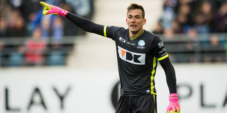 Gent's goalkeeper Lovre Kalinic reacts during the Jupiler Pro League match between KAA Gent and Club Brugge KV, in Gent, Sunday 29 January 2017, on day 24 of the Belgian soccer championship. BELGA PHOTO JASPER JACOBS