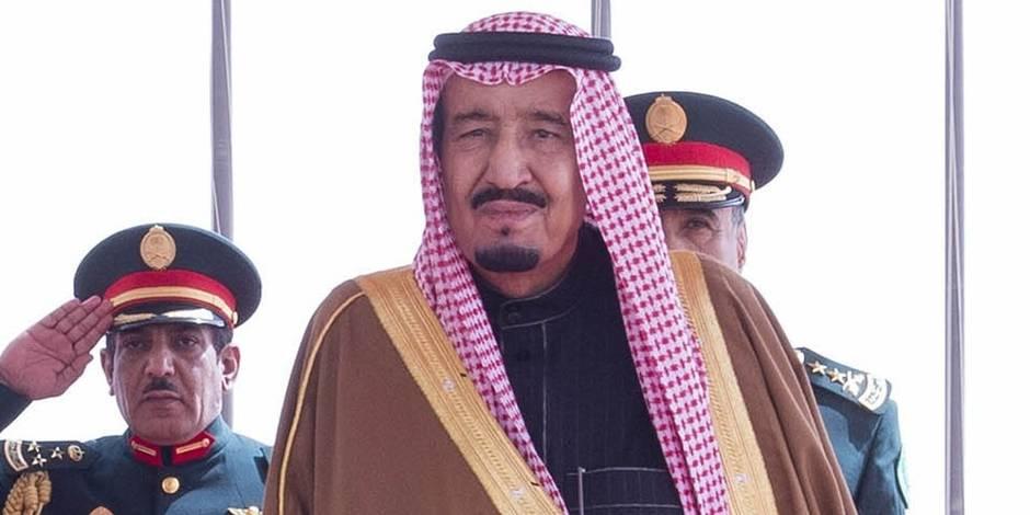 Le roi saoudien en Indonésie avec... 460 tonnes de bagages!