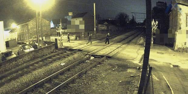Des jeunes manquent de faire dérailler un train (VIDEO) - La Libre