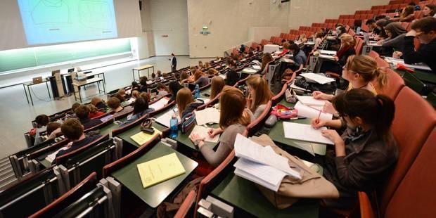 Le bon étudiant est celui qui montre, avec les mots qu'il faut, qu'il fait partie de la clique (CHRONIQUE) - La Libre