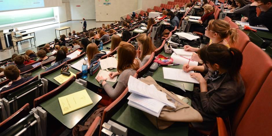 Propos polémiques sur l'avortement: l'UCL suspend l'enseignant