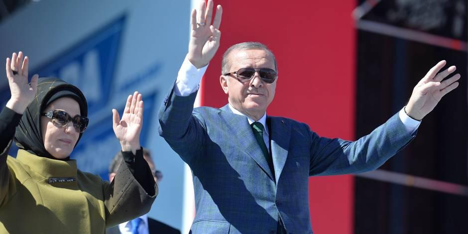 """Nouvelle sortie d'Erdogan à deux semaines du référendum turc: """"L'UE est une alliance des croisés"""""""