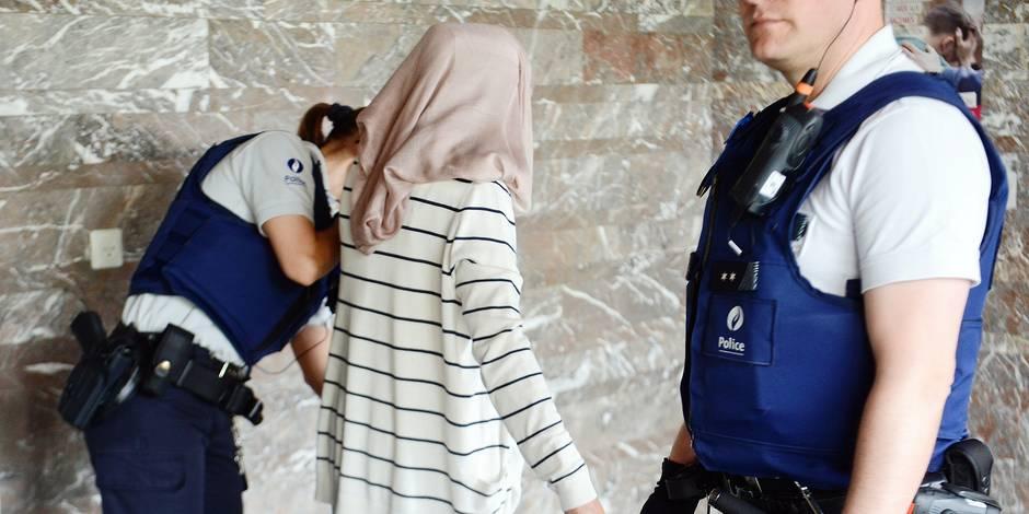 """Sept """"bons petits soldats"""" de l'Etat islamique jugés à Charleroi"""