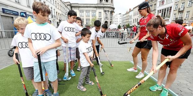 Les Red Panthers à Molenbeek pour promouvoir le hockey - La Libre