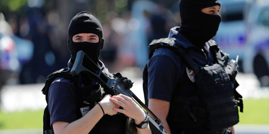 """Un homme soupçonné de préparer """"une action violente"""" en France ou en Belgique arrêté près de Lille"""