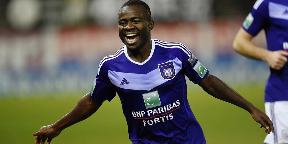 Anderlecht's Frank Acheampong celebrates after scoring during the Jupiler Pro League match between Sporting Charleroi and RSC Anderlecht, in Charleroi, Monday 26 December 2016, on day 21 of the Belgian soccer championship. BELGA PHOTO JOHN THYS