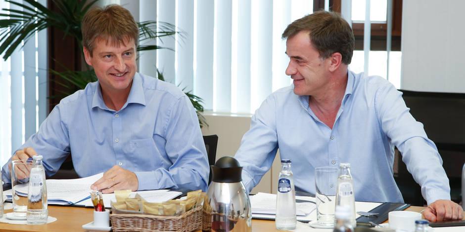 De leur côté, les discussions avancent entre MR et cdH en Wallonie; de nouveaux contacts mercredi