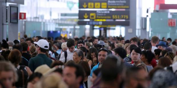 Grève à l'aéroport de Barcelone: des files d'attente considérables - La Libre