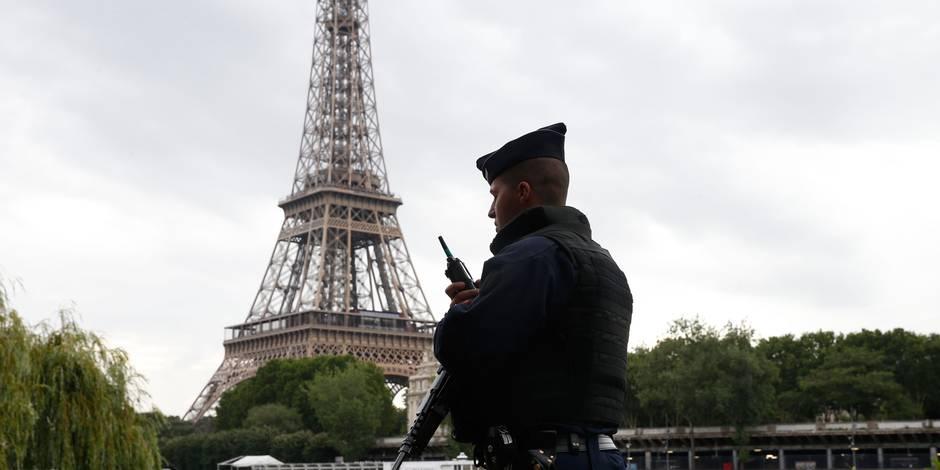 L'homme arrêté avec un couteau à la Tour Eiffel voulait attaquer un militaire