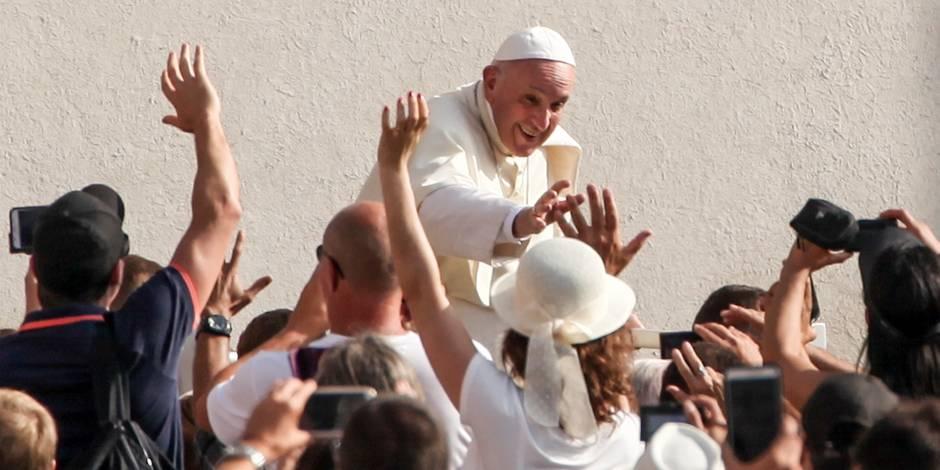 Le pape François se félicite du rapprochement avec les juifs devant des rabbins