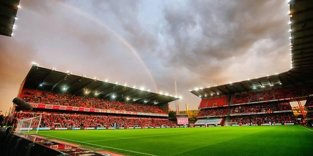 """Les fans rouches ont rencontré staff, direction et joueurs du Standard: """"Après les mots, place aux actes?"""" - La Libre"""