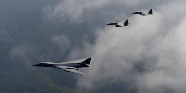 """Des bombardiers américains ont volé près des côtes nord-coréennes pour envoyer un """"message clair"""" à Kim Jong-Un - La Lib..."""