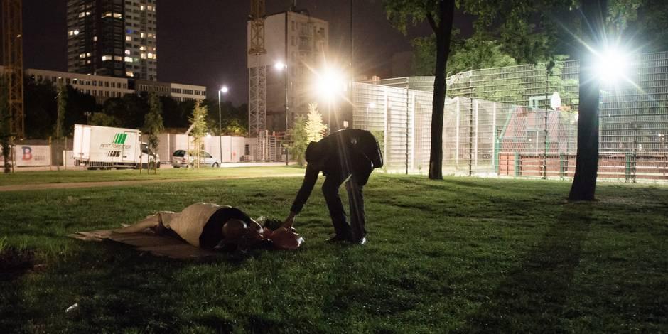 Des bénévoles dénoncent de nouvelles interpellations de migrants au Parc Maximilien