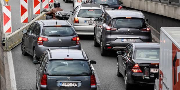 Embouteillages sur le ring intérieur de Bruxelles après une collision entre 6 véhicules - La Libre