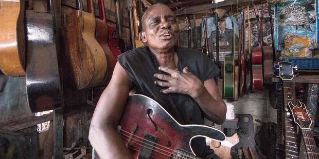 Le fabuleux destin de Socklo, le luthier du Congo - La Libre