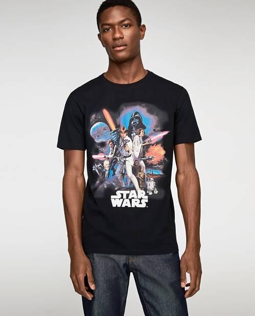 Zara propose en ce moment une collection capsule sur le thème de Star Wars.                     Zara. 19,95 euros.