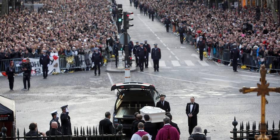 Funérailles de Johnny Hallyday: Qui sont ces trois fans belges invités dans l'église? - La Libre
