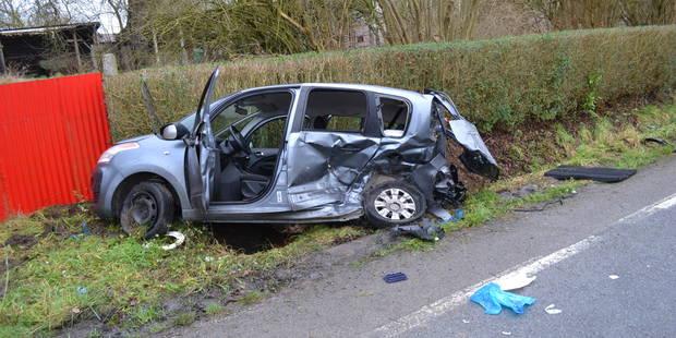Trois blessés dont un grave dans un accident entre deux véhicules à Ogy - La Libre