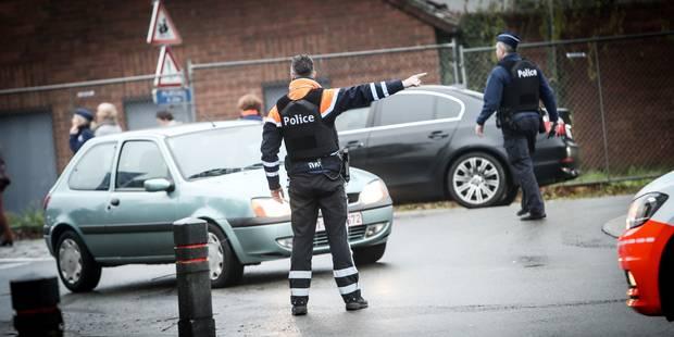 Course-poursuite entre un véhicule et la police boraine: des munitions de calibre 22 long Rifle retrouvées - La Libre