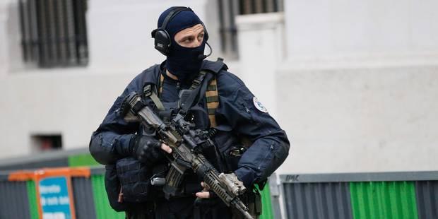 Attentats à Paris: le gilet de Salah Abdeslam était défectueux - La Libre