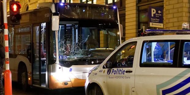 Un bus de la Stib fauche six piétons dans le centre de Bruxelles: un blessé grave - La Libre