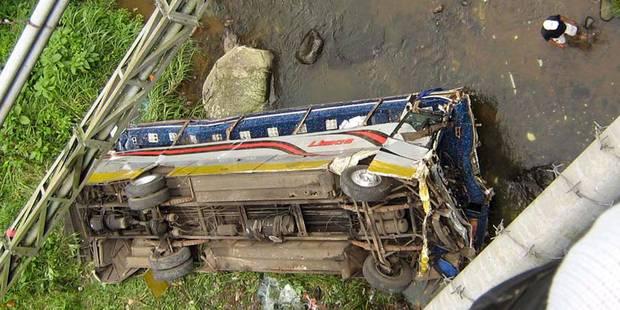 Au moins 27 morts dans un accident de bus en Indonésie - La Libre