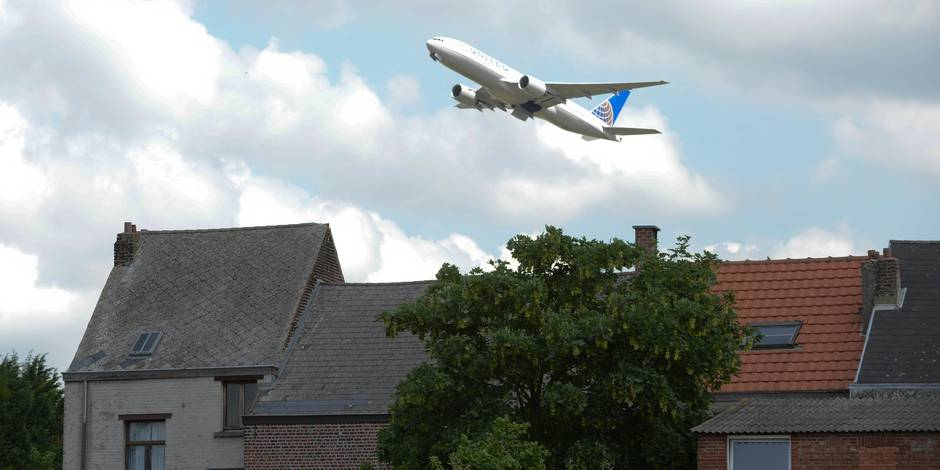 Nuisances des avions: onze communes flamandes veulent une loi sur les procédures de choix des routes