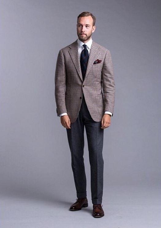 822b7fae963e8 Les nouveaux codes pour hommes   comment porter le costume pour ...