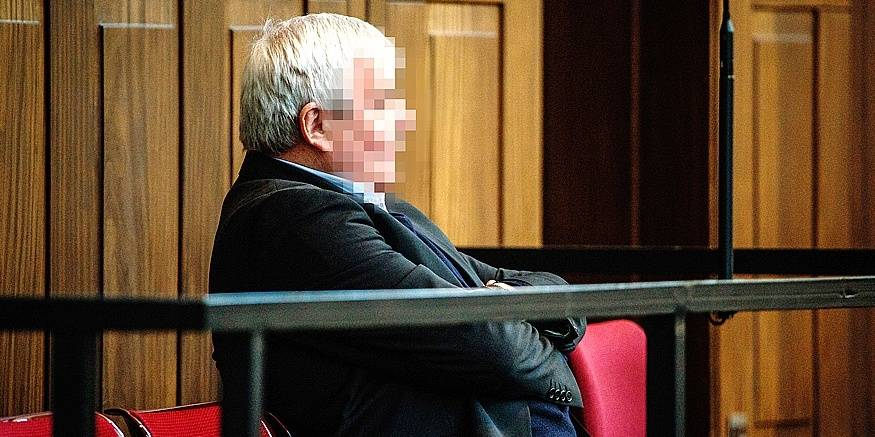 Accused Pierre Serry pictured during a session of in the 'Kasteelmoord' (Castle murder) trial, Monday 18 December 2017, at the Brugge correctionnal court. Andre Gyselbrecht, Pierre Serry, Franciscus Larmit and Evert de Clercq are the four accused in the so-called 'castle murder' (kasteelmoord) on Stijn Saelens, at his home, a castle in Wingene, West-Flanders province. On 31 January 2012 Saelens mysteriously disappeared from his castle. His body was found in February 2012 on a nearby property. Saelens was Andre Gyselbrecht's son-in-law. BELGA PHOTO NICOLAS MAETERLINCK