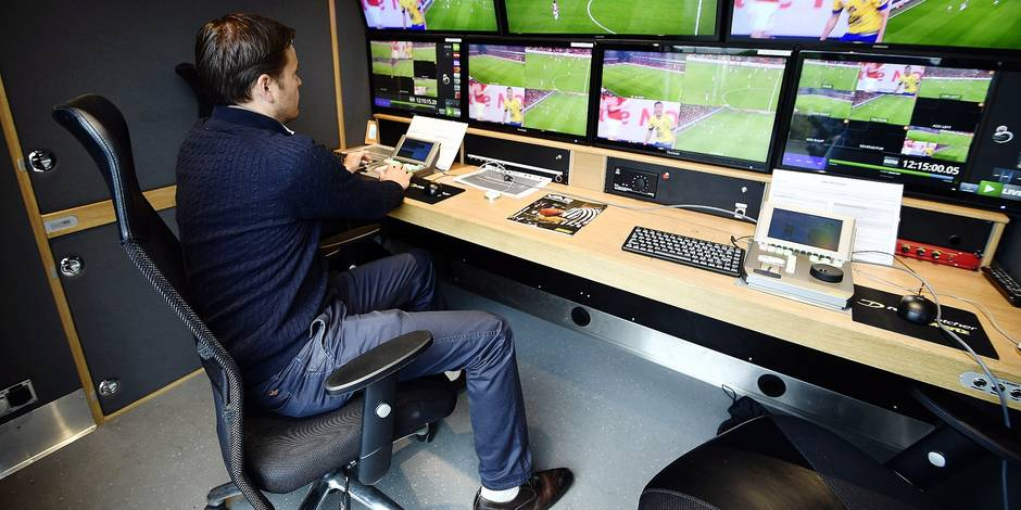 Illustration picture shows the VAR (Video Assistance Referee) system during a meeting of the referee department of the URBSFA/KBVB in Tubize, Monday 17 July 2017. BELGA PHOTO ERIC LALMAND