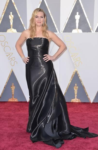 Kate Winslet, grande habituée des Oscars, portait du                                   Ralph Lauren en 2016