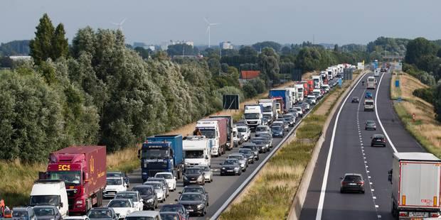 Malgré une hausse à Bruxelles, le nombre de tués sur les routes a baissé de 3% en 2017 - La Libre