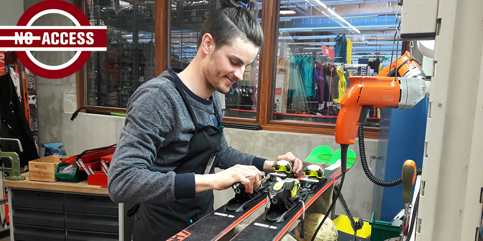 """Comment Decathlon parvient à fabriquer les skis """"les moins chers du marché""""? Visite au coeur des ateliers! - La Libre"""