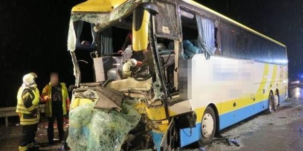 Accident d'un autocar belge en Allemagne : le deuxième chauffeur toujours hospitalisé - La Libre
