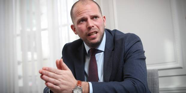 Francken en voyage à Tirana pour dissuader les Albanais de refaire leur vie en Belgique - La Libre