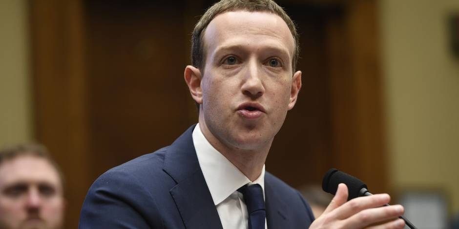 Facebook: le Parlement européen réclame la venue de Zuckerberg en personne